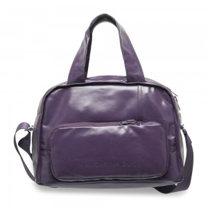 Un bolso moderno, femenino pero actual. El color lavanda berenjena de Mandarina Duck es uno de los que más destaca.