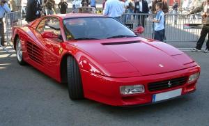 Un Ferrari testarossa y muchos otros modelos ... en sus manos.
