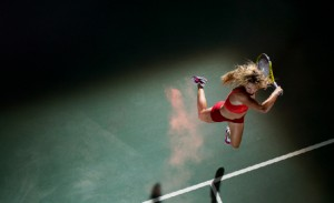 Victoria Azarenko, una de las promesas del tenis femenino, en pleno anuncio de una conocida marca del sector.