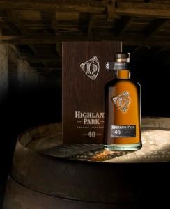 El Highland Park de 40 años, un gran whisky con aromas ahumados de turba.