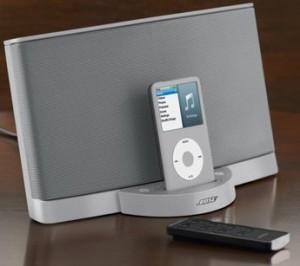 El altavoz SoundDock de Bose tiene un diseño minimalista.